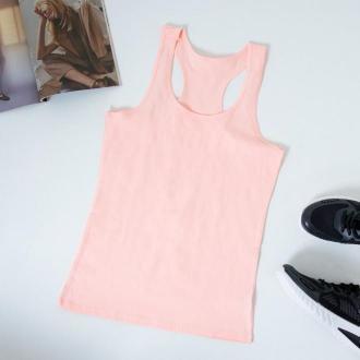 Jasnoróżowa damska koszulka na ramiączkach - Odzież