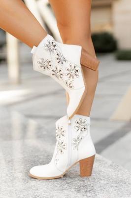 Białe botki Nuala