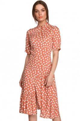 Sukienka midi w duże grochy z asymetryczną falbaną łososiowa