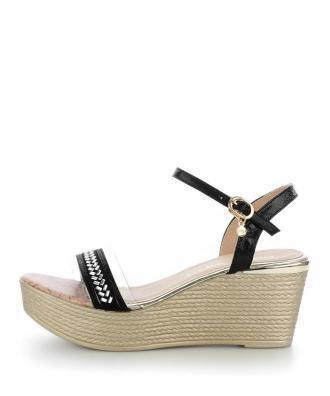 Czarne sandały na koturnie MAGILE
