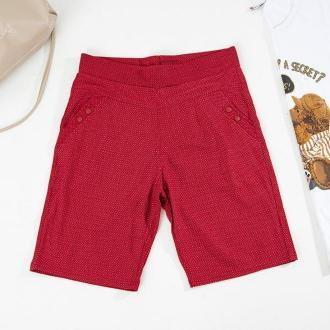 Czerwone wzorzyste damskie krótkie spodenki - Odzież