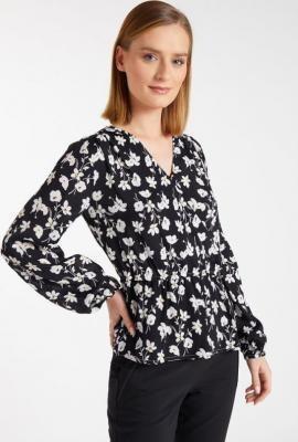 Koszulowa bluzka z wzorem