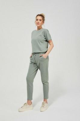 Oliwkowe spodnie dresowe z kantem i kieszeniami