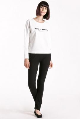 Bluza z minimalistycznym napisem
