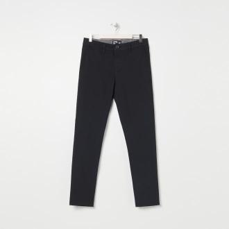 Sinsay - Spodnie materiałowe chino - Czarny