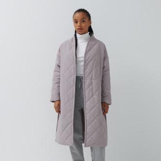 House - Pikowany płaszcz oversize z paskiem - Jasny szary