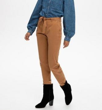 Spodnie chino z paskiem
