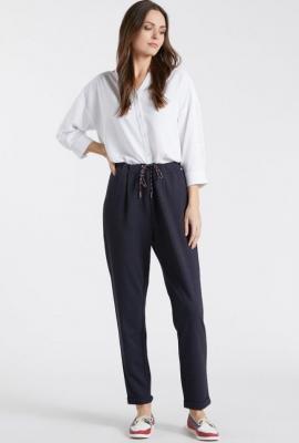 Wzorzyste spodnie z wiązaniem w pasie