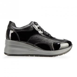 Damskie sneakersy ze skóry na platformie
