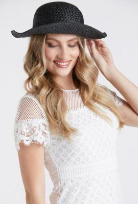 Czarny kapelusz damski