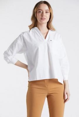 Gładka koszula z dekoltem V
