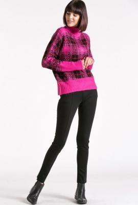 Barwny sweter w kratę