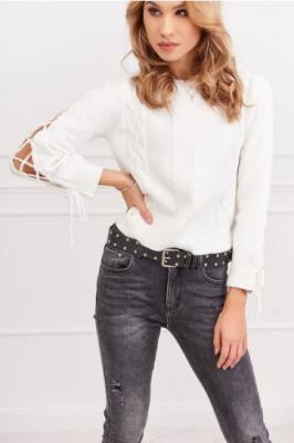Sweter damski z wiązaniem na rękawie kremowy 37500