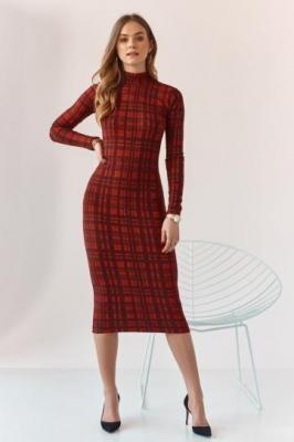 Ołówkowa sukienka z półgolfem w kratę czerwona MP60577