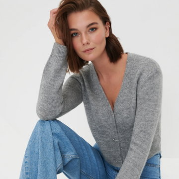 Sinsay - Sweter z ozdobnymi guzikami - Jasny szary