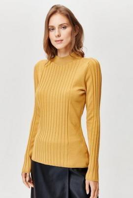Prążkowany sweter z półgolfem