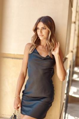 Bieliźniana sukienka na ramiączkach czarna 7306