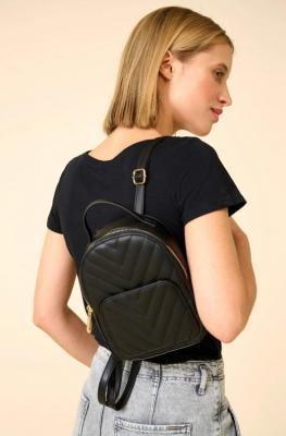 Pikowany plecak ze sztucznej skóry