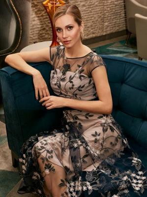 Wizytowa sukienka z kwiatowej koronki Potis & Verso PLUMETI