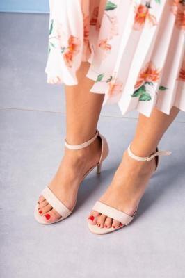 Różowe sandały szpilki błyszczące
