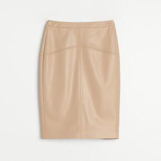 Reserved - Ołówkowa spódnica z imitacji skóry - Beżowy