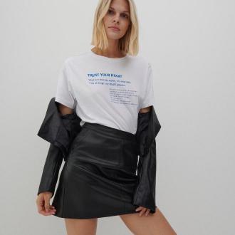 Reserved - Bawełniany t-shirt z napisem - Biały