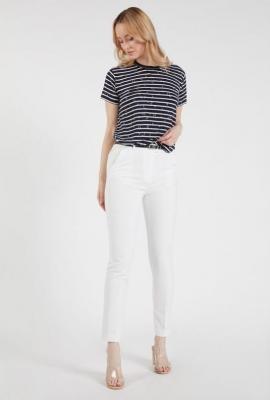 Klasyczne gładkie spodnie z paskiem