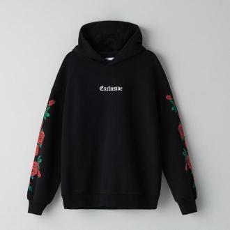 Cropp - Bluza z kwiatowym motywem - Czarny