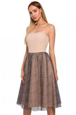 Gorsetowa sukienka z rozkloszowanym połyskującym dołem