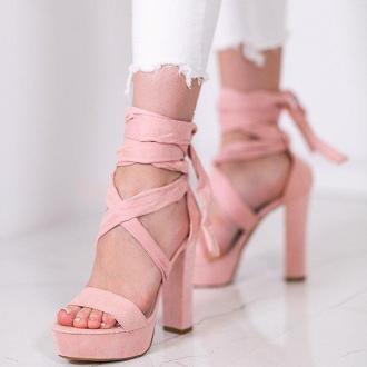 Różowe sandały wiązane na wysokim słupku Molier - Obuwie