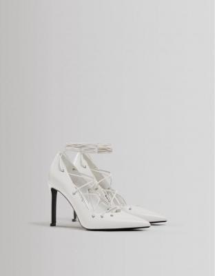 Bershka Wiązane Buty Na Obcasie Kobieta 36 Biały