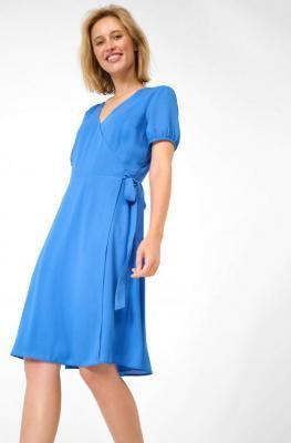 Rozkloszowana sukienka z krepy