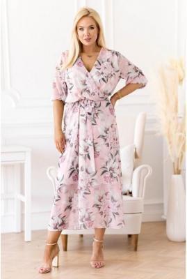 Pudrowa sukienka maxi w kwiaty z kopertowym dekoltem - ADELA
