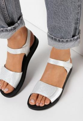 Srebrne Sandały Leucais