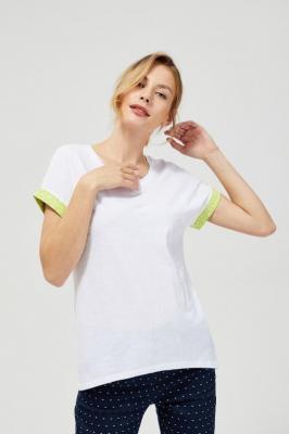 T-shirt z ozdobnym rękawem