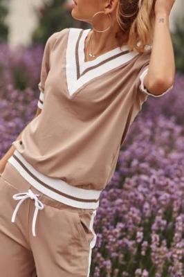 Beżowy dres damski z krótkim rękawem FK540