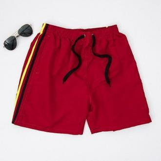 Czerwone męskie krótkie spodenki - Оdzież