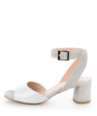 Szare sandały ze skóry zamszowej z ozdobną klamrą OLIERA