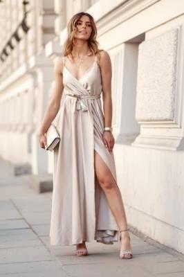 Wieczorowa sukienka kopertowa na ramiączkach jasnobeżowa 72962