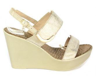Sandały Carinii B4263-F76-000-000-C82 Złoty