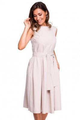 Rozkloszowana sukienka z dodatkiem lnu kontrafałdy
