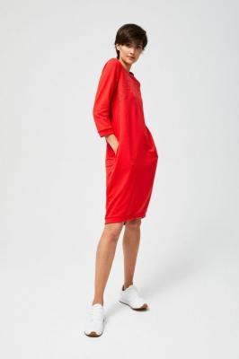 Sukienka z ażurowym zdobieniem