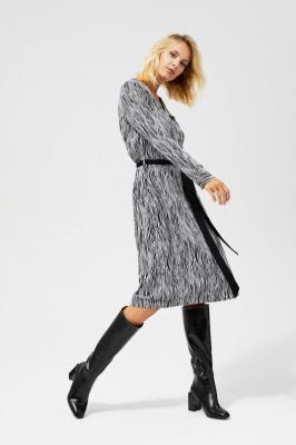 Sukienka midi z wiązaniem w talii