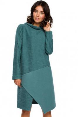 Lekko oversizowa sukienka z asymetrycznym dołem - Zielony