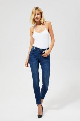 Jeansy typu skinny