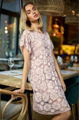 Koronkowa trapezowa sukienka na wyjątkowe okazje