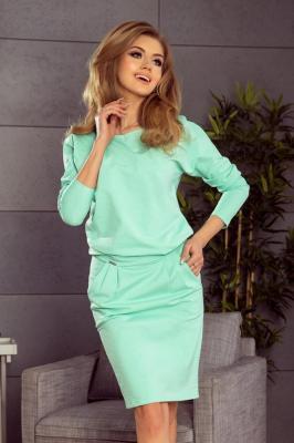 Dresowa sportowa sukienka z kieszeniami i dekoltem - Zielony