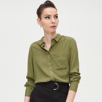 Cropp - Gładka koszula z kieszenią - Khaki