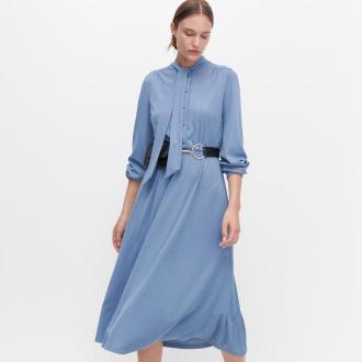 Reserved - Sukienka z wiązaniem przy szyi - Niebieski