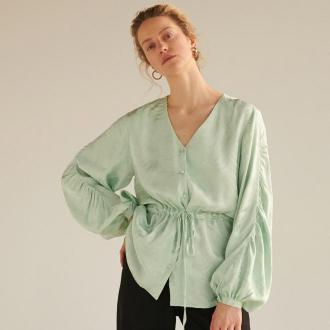 Reserved - Satynowa bluzka z żakardowym wzorem - Zielony